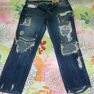 Sexy 😍, very distressed jeans